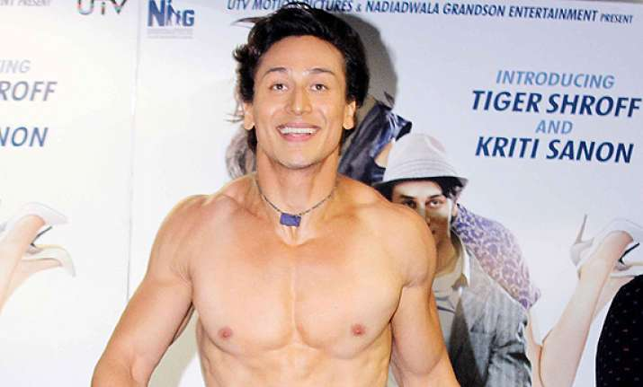 tiger shroff becomes twitter star jokes on him go viral