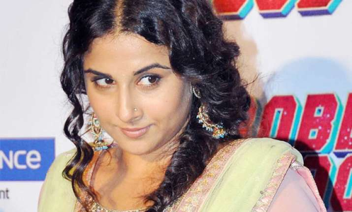 vidya enjoys being detective in bobby jasoos launches