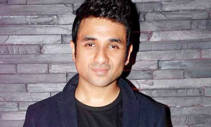 vir das gets emotional over playing rishi kapoor s son on