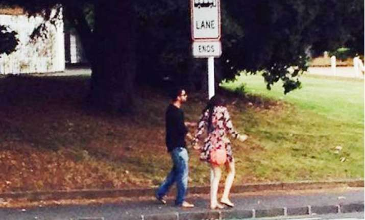 virat anushka spotted getting cozy on new zealand streets