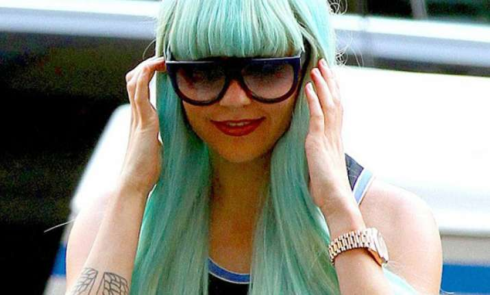 amanda bynes shifts to the canyon for treatment