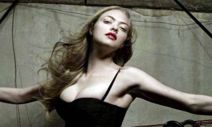 amanda seyfried s nude phone interview with justin