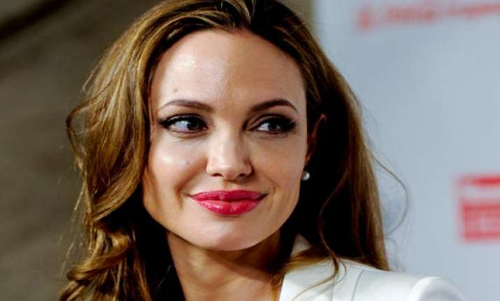 angelina jolie s aunt dies of breast cancer days after