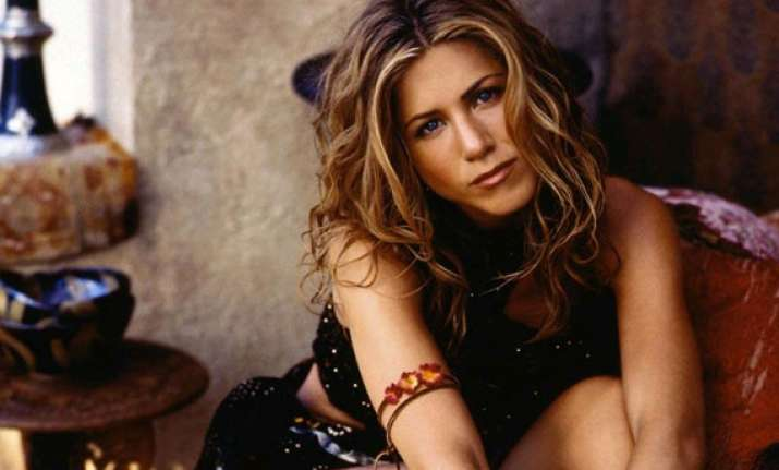 aniston went on diet before nude scene see pics