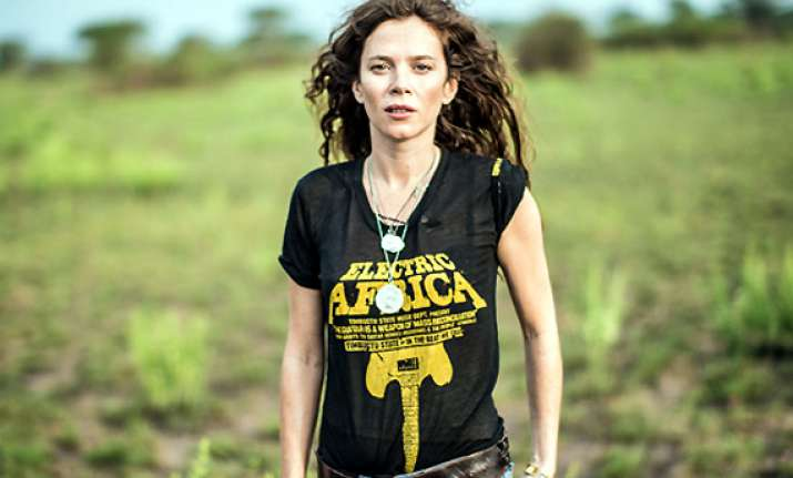 anna friel s experience with gorilla