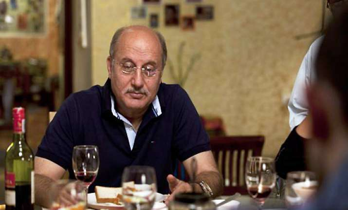 anupam kher to share screen space with robert de niro