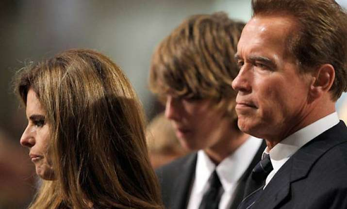 arnold schwarzenegger s wife files for divorce