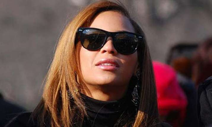 beyonce knowles sacks her general manager