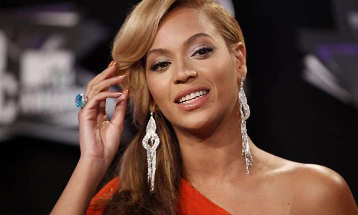 beyonce feels beautiful people magazine honors