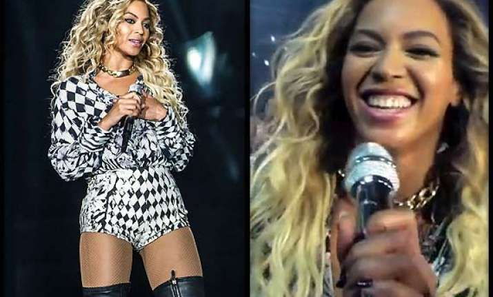 beyonce sings happy b day for fan during concert see pics