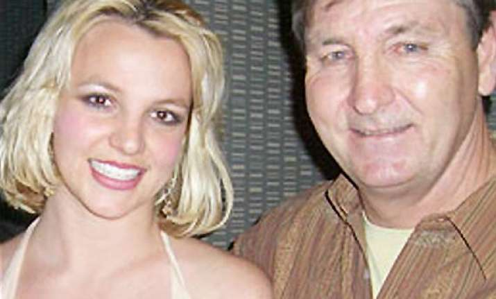 britney spears dad wants her to stay single