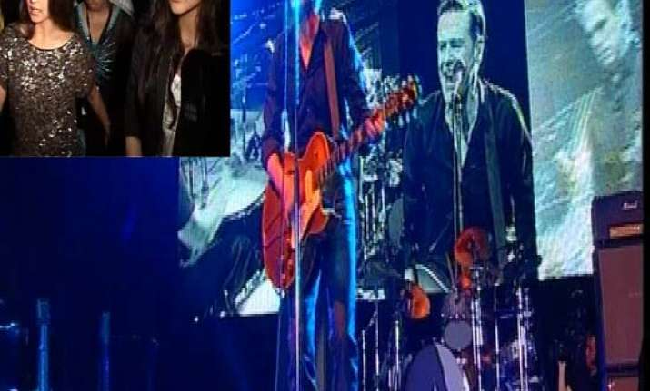 bryan adams enthrals fans in mumbai