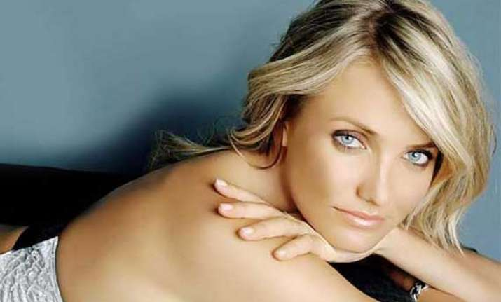cameron diaz is attracted towards a lady