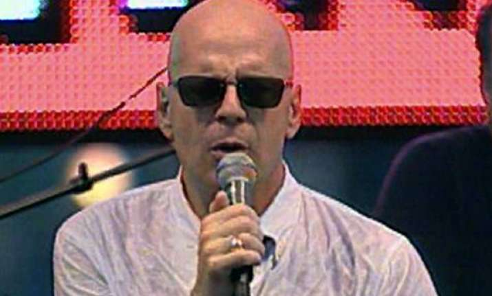 can t stand my voice bruce willis on singing