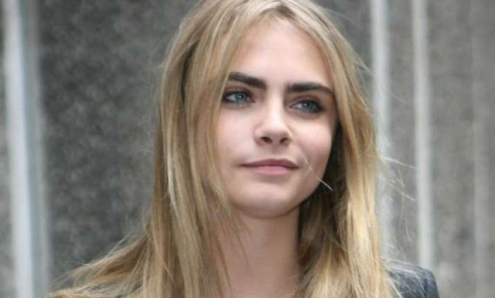 cara delevingne keen on working with jay z