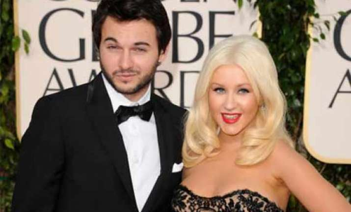 christina aguilera engaged to beau matt rutler