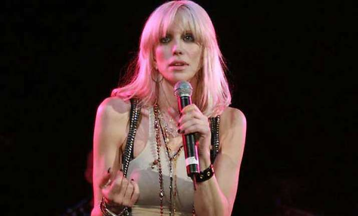 courtney love reconnects with estranged daughter