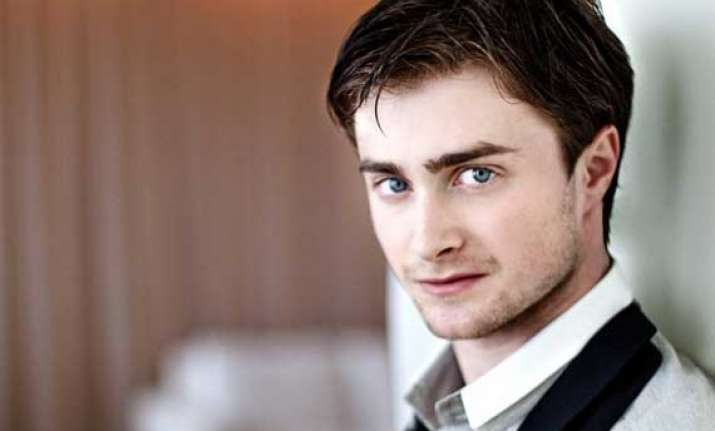 daniel radcliffe back to nerdy look