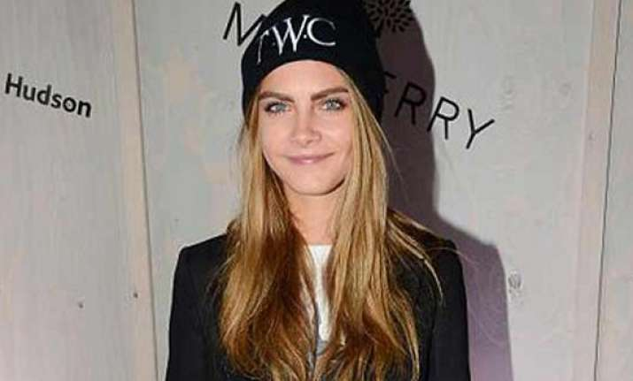 delevingne to throw b day bash styles invites himself over