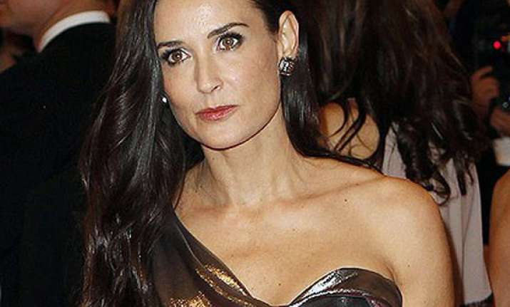 demi moore checks out of rehab