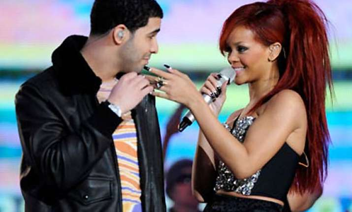 drake buys 42 000 worth ring for rihanna