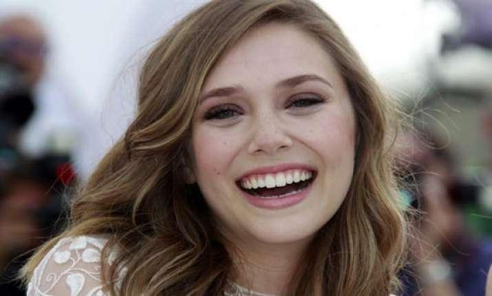 elizabeth olsen to star in the avengers sequel