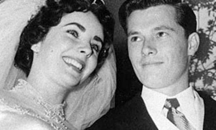 elizabeth taylor s wedding gown to be auctioned