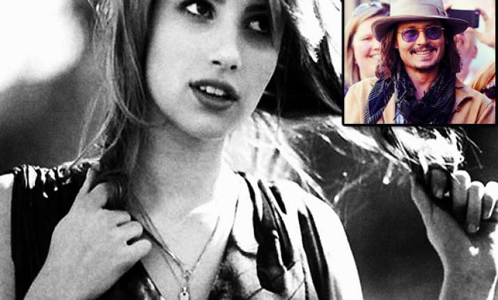 emma roberts flaunts picture with johnny depp