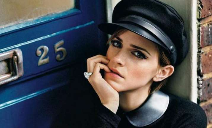 emma watson bags queen of the tearling