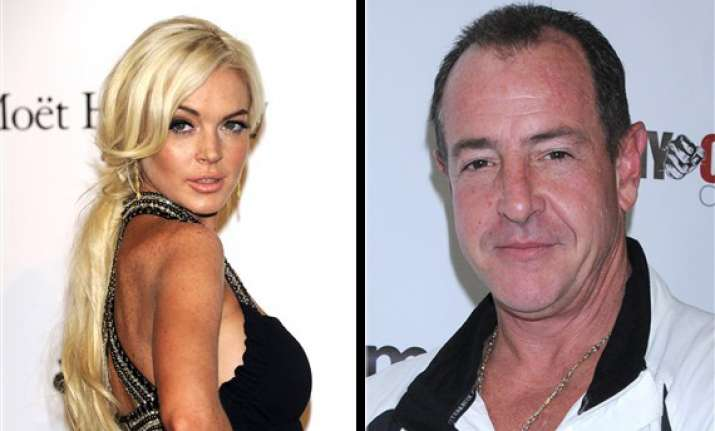 lindsay lohan s father arrested in us