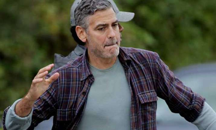 george clooney to spend 2 mn on wedding