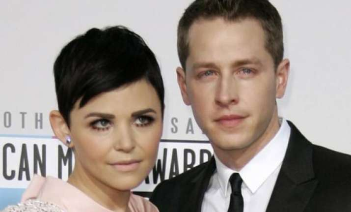 ginnifer goodwin josh dallas tie the knot