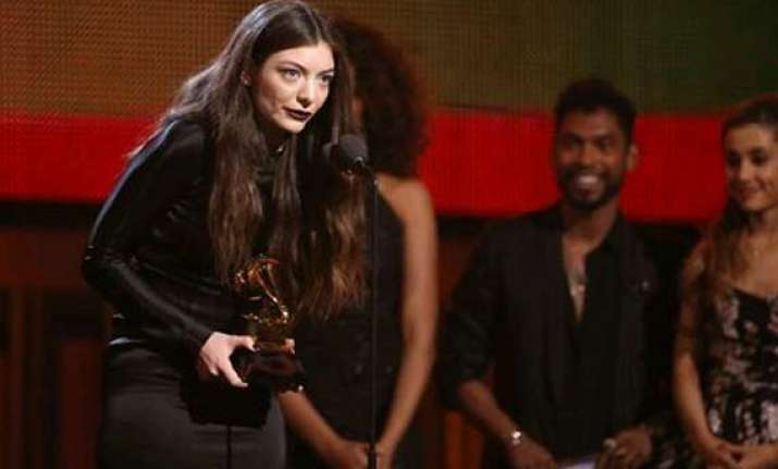 grammys 2104 lorde s royals wins song of the year award