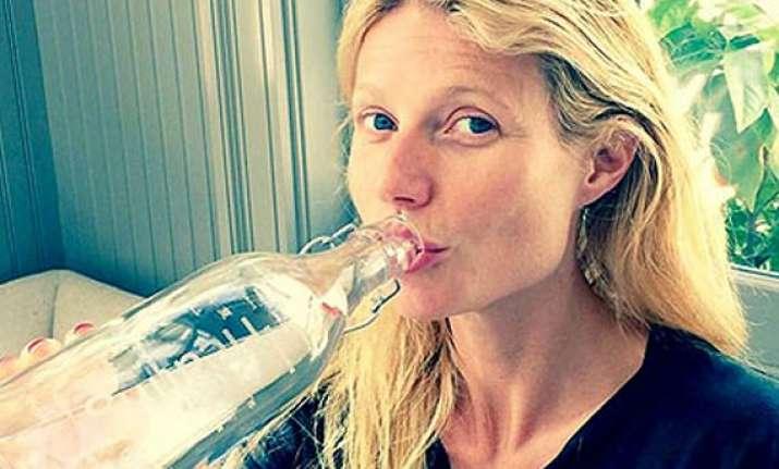gwyneth paltrow posts no make up selfie on twitter