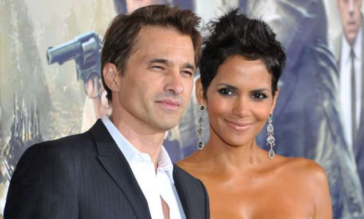 halle berry olivier martinez welcome baby boy