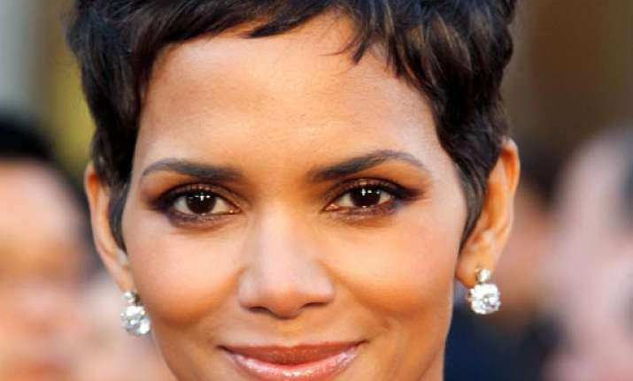 halle berry to launch tv production company