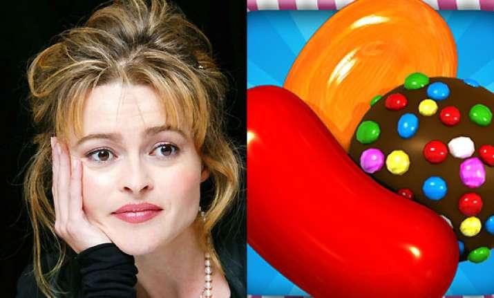 helena bonham carter loves to play candy crush