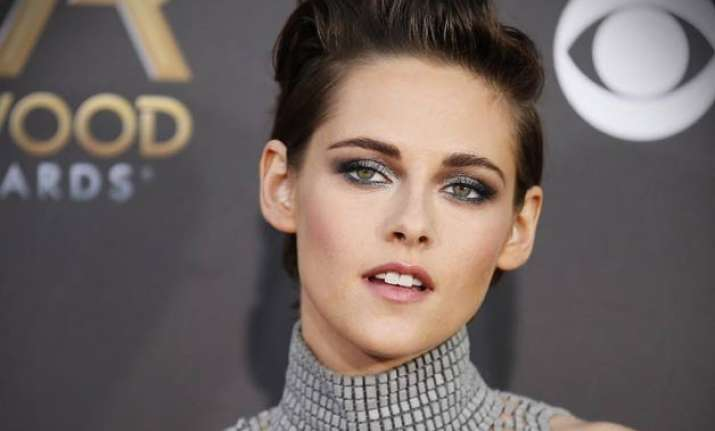kristen stewart speaks up on gender inequality