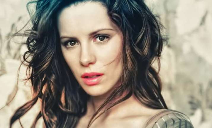 society needs journalists says kate beckinsale