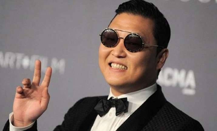 psy s rolls royce collides with bus in china