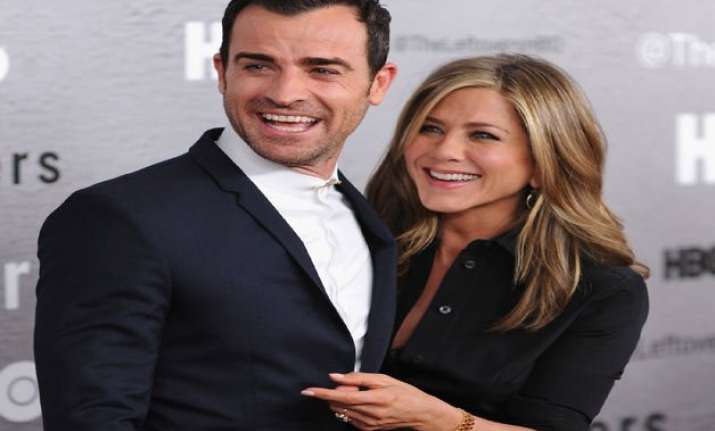 jennifer aniston and justin theroux head for honeymoon