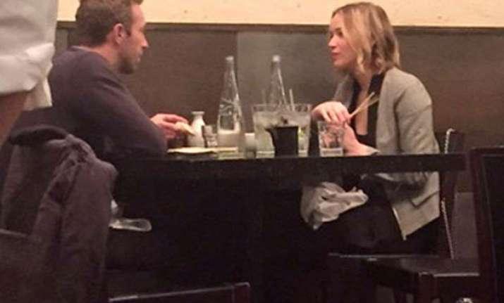 jennifer lawrence and chris martin reunite for dinner date