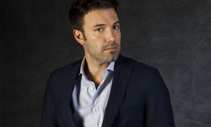 ben affleck to direct play batman in standalone movie