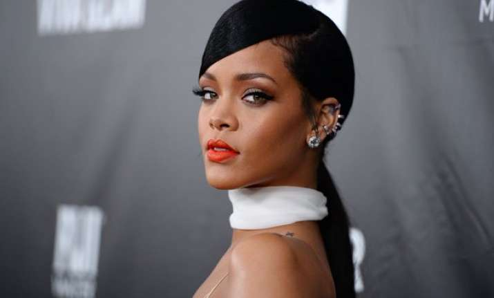 rihanna hates being an outsider