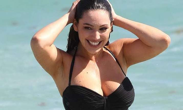 kelly brook wants to be pregnant