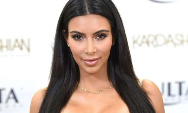 kim kardashian to strip nude again