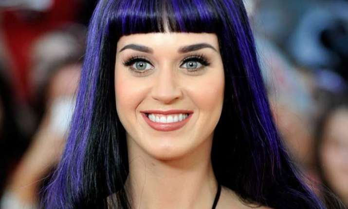 katy perry hints at christmas album