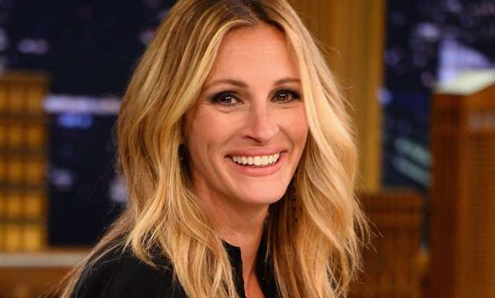 julia roberts selling ny home