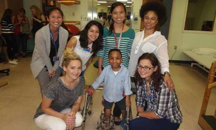 jennifer lawrence s surprise visit to kids hospital