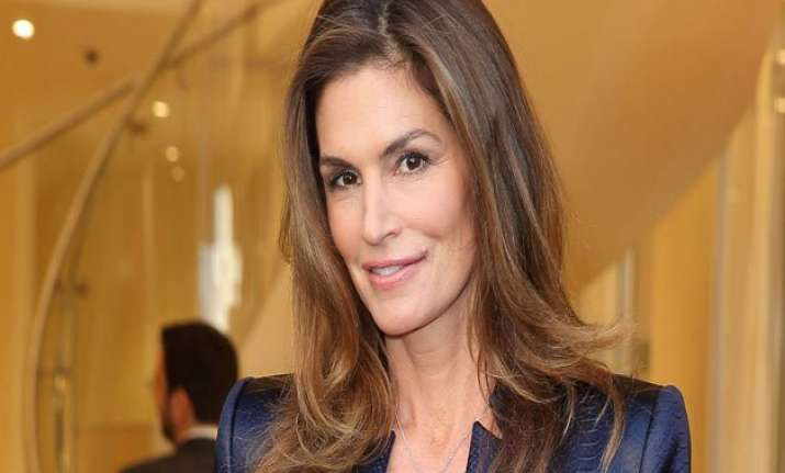 cindy crawford has raunchy dressing room personality